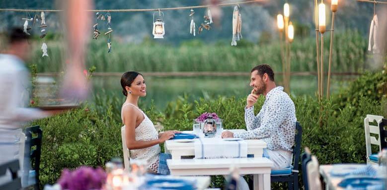 Hilton Dalaman, couple dining