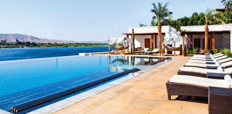 hilton luxor, infinity pool