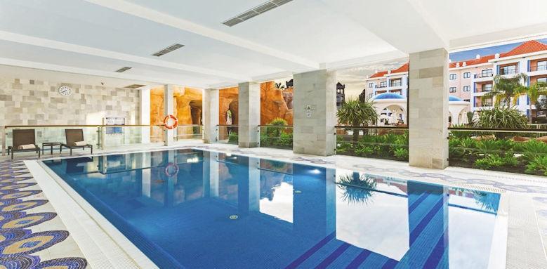 Hilton Vilamoura, covered pool