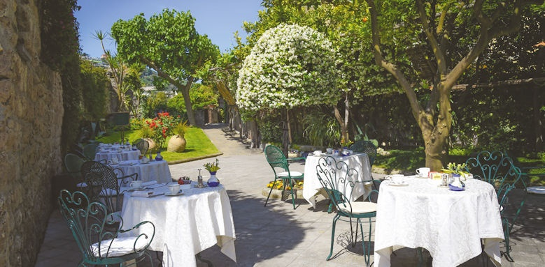 Hotel Antiche Mura, breakfast terrace