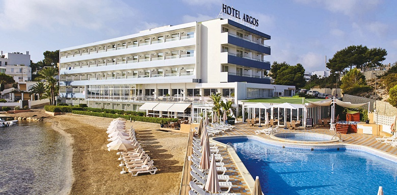 Hotel Argos, view of pool and hotel