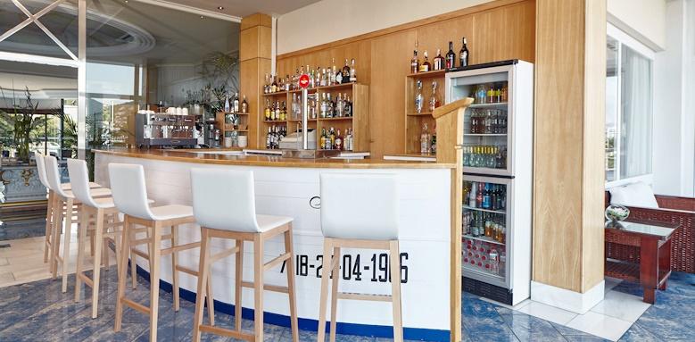 Hotel Argos, hotel bar
