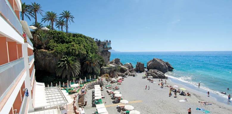 Hotel Balcon de Europa, beach view