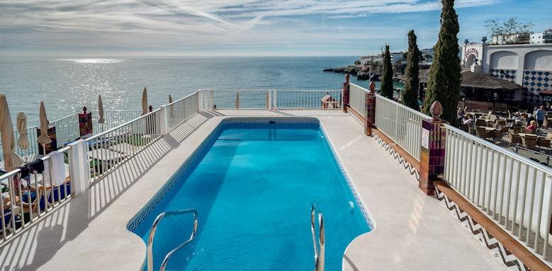 Balcon de Europa, pool