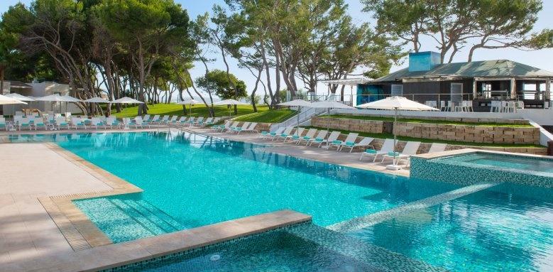 Iberostar Playa De Muro Village, Pool