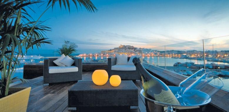 Ibiza Gran Hotel, view at night