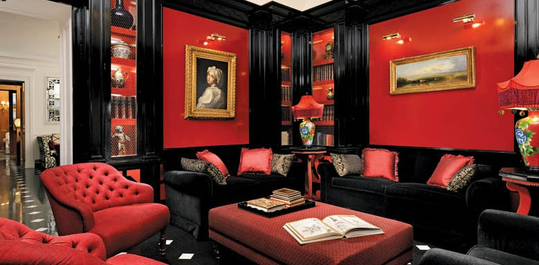 Hotel d'Inghilterra, red lounge
