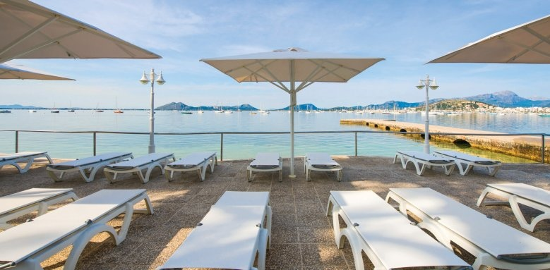 Illa D'or, sunloungers
