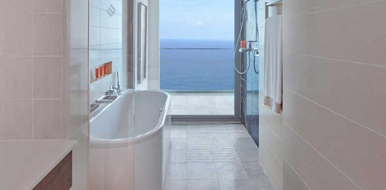Jumeirah Port Soller, Deluxe Sea View Bathroom