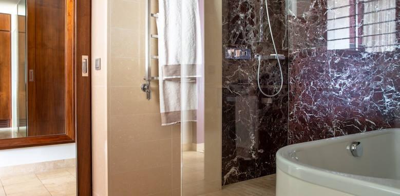 Jumeirah Port Soller, Grand Deluxe Sea View Bathroom