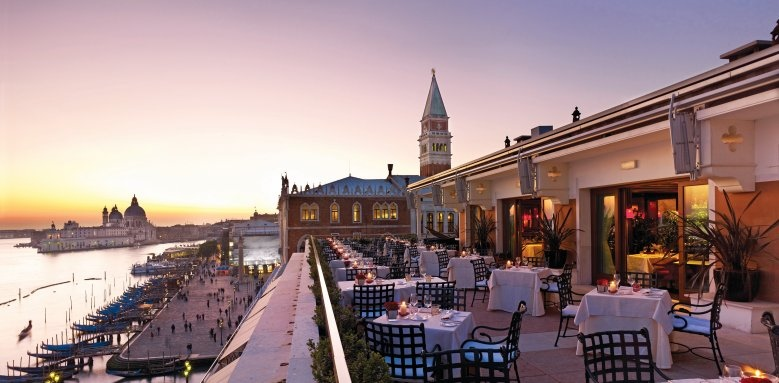 Hotel Danieli, restaurant terrace sunset