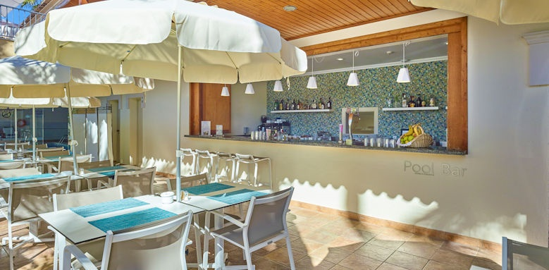 RIA Park hotel, pool bar