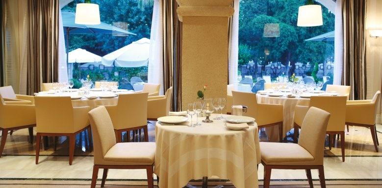 rodos park suites, restaurant