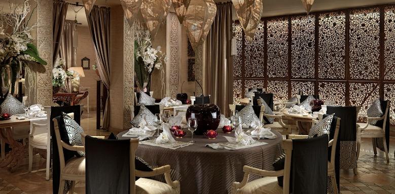Royal Garden Villas, restaurant