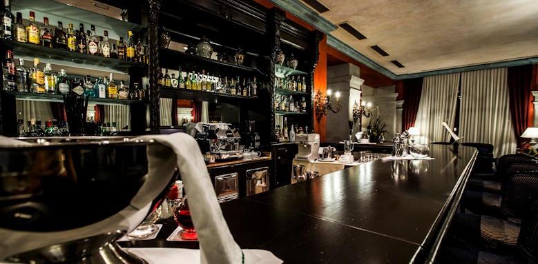 Villa Cortes, Lobby bar image