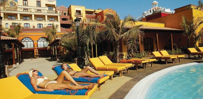 Villa Cortes, sunloungers