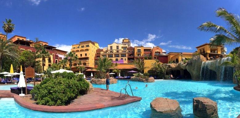 Villa Cortes, pool