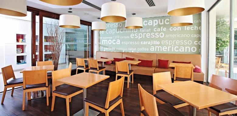 Aimia Hotel, Cafe