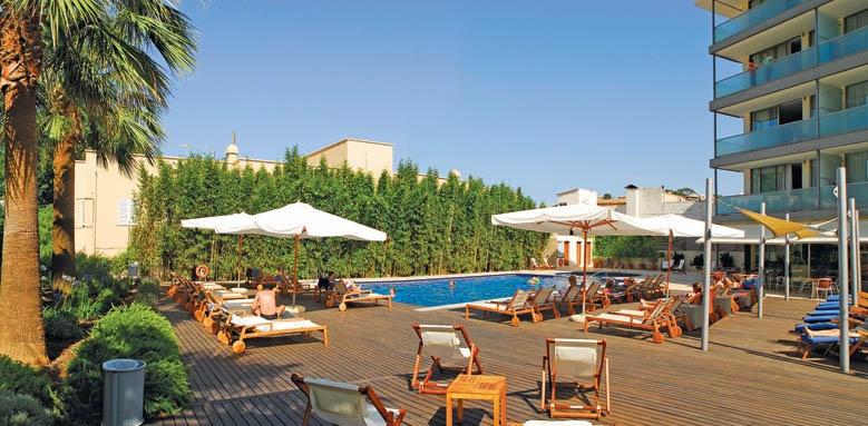 Aimia Hotel, pool panorama