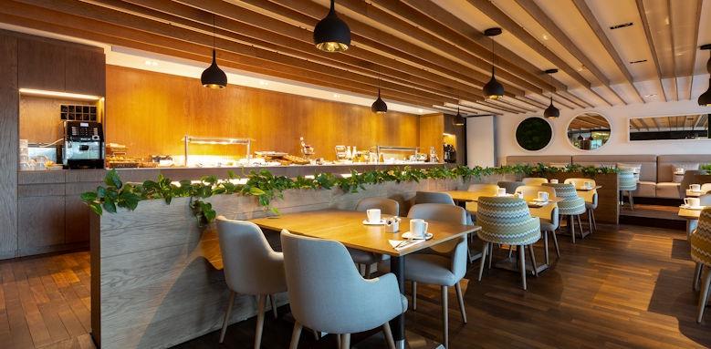 Aimia Hotel, Restaurant