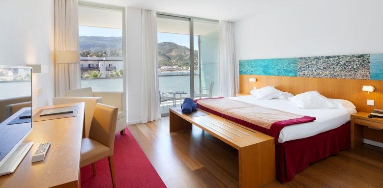 Aimia Hotel, superior side sea view