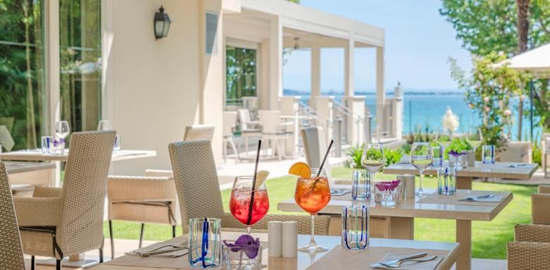Villarosa hotel, pool bar