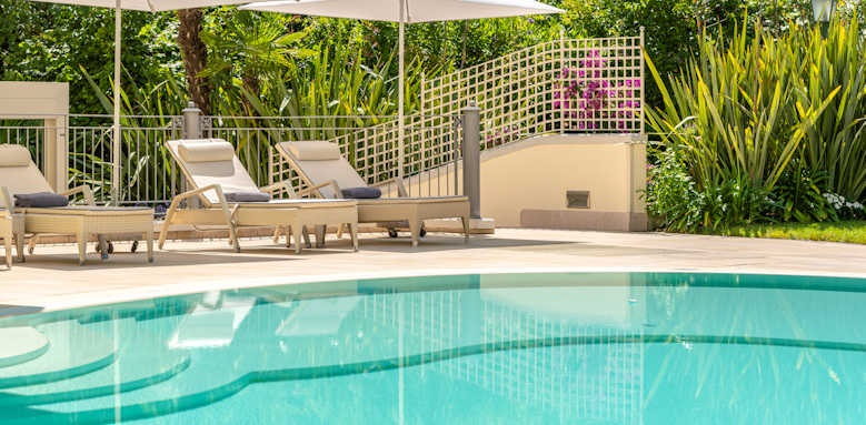 Villarosa hotel, pool area