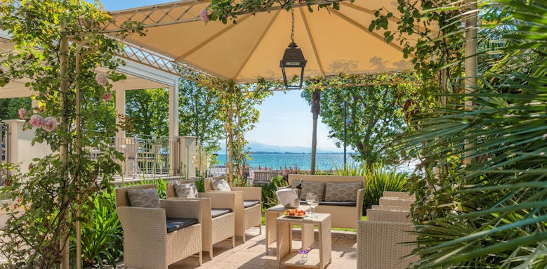 Villarosa hotel, garden gazebo