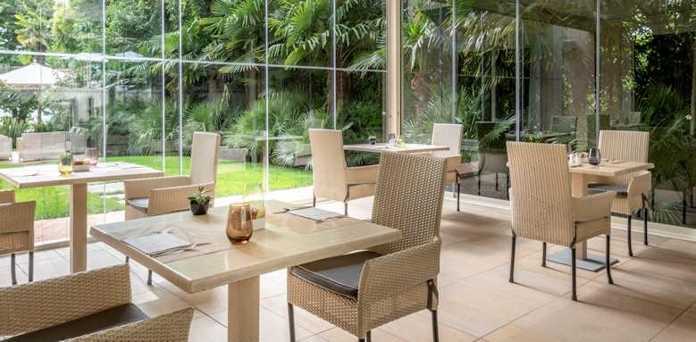 Villarosa hotel, garden veranda