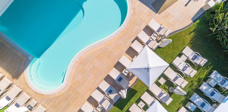 Villarosa hotel, pool drone
