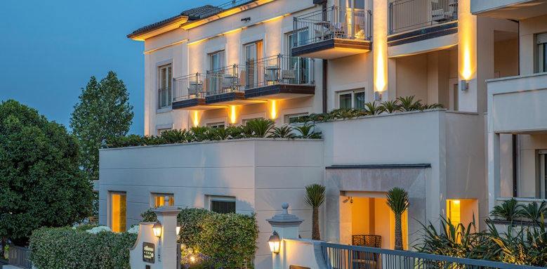 Villarosa hotel, sideview