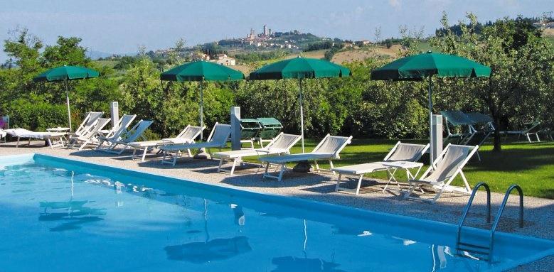 villasanpaulo, pool and sunbeds