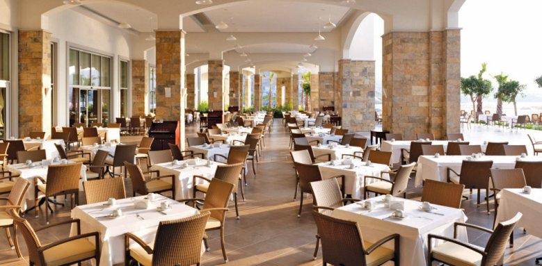 Xanadu Island, restaurant terrace