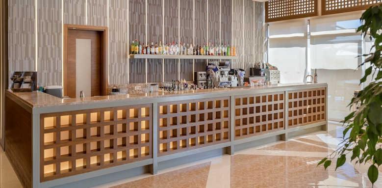 xanadu resort, lobby bar