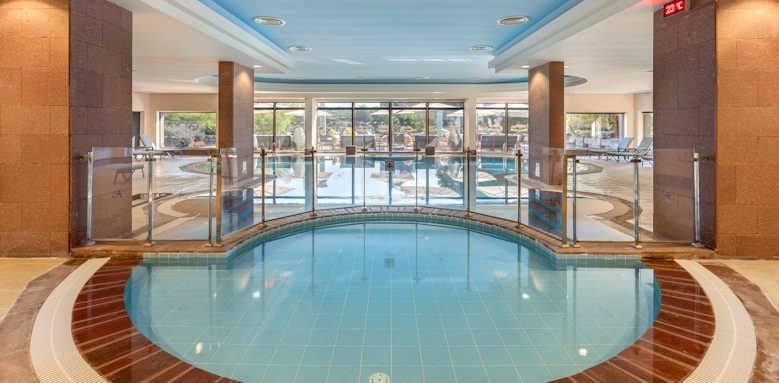 xanadu resort, spa pool