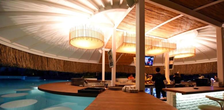 Yacht Classic Hotel, bluebar