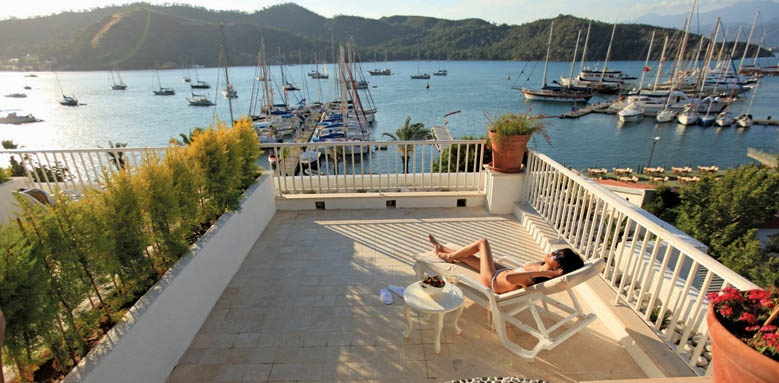 Yacht Classic Hotel, deluxe room terrace