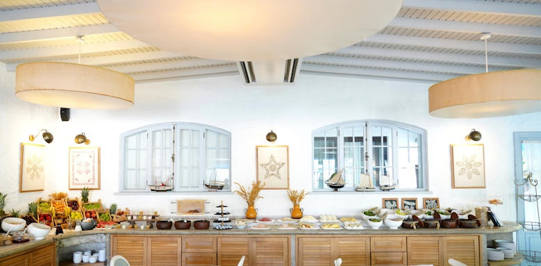 Yacht Classic Hotel, breakfast
