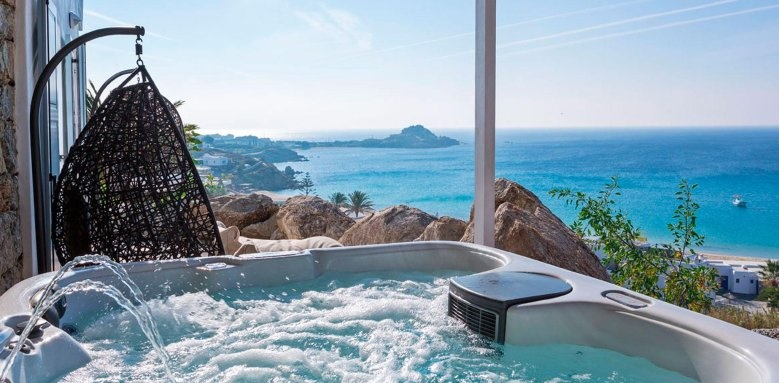 Myconian Ambassador Hotel & Thalasso Centre, hot tub