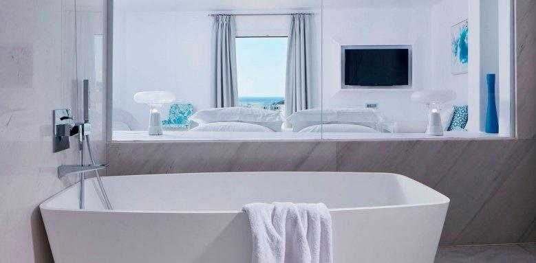 Myconian Ambassador Hotel & Thalasso Centre, Bath tub