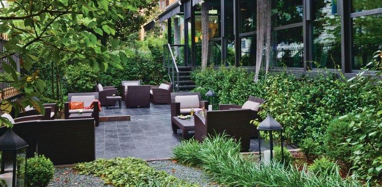 Carlton Hotel Baglioni, outdoor area