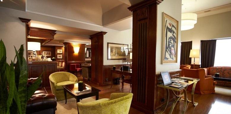 Sina De La Ville, hotel lounge