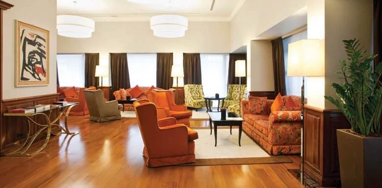 Sina De La Ville, lounge