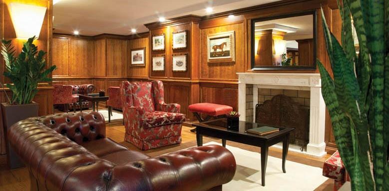 Sina De La Ville, lounge interior