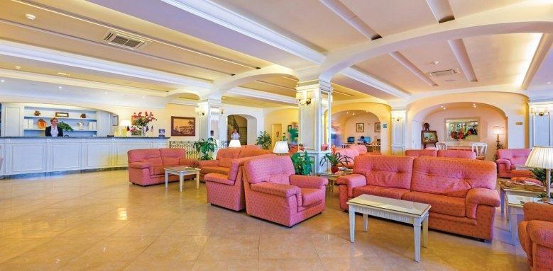 Hotel La Vue D'or, lobby
