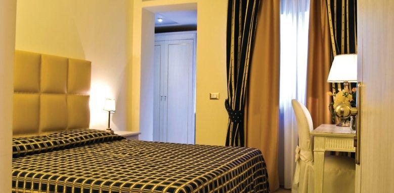 Hotel La Vue D'or, bedroom