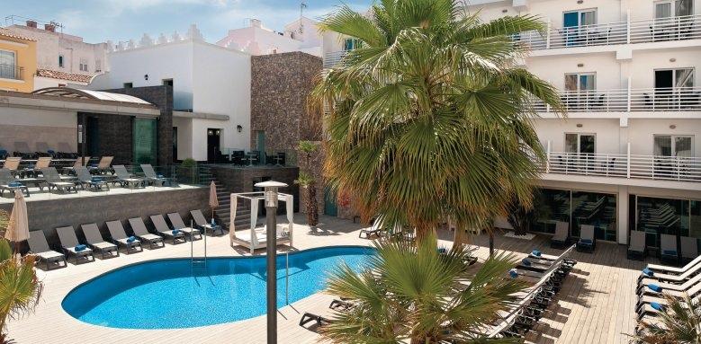 Barcelo Hamilton Menorca, pool & exterior