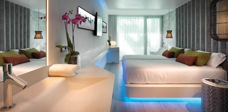 Hard Rock Hotel Ibiza, deluxe silver club room