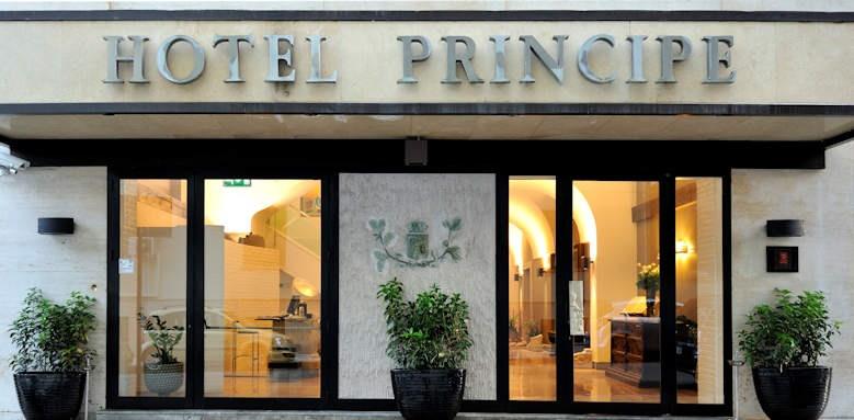 Hotel Principe Di Villafranca, entrance