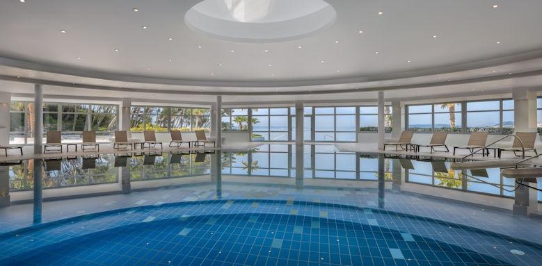 le meridien lav, indoor pool